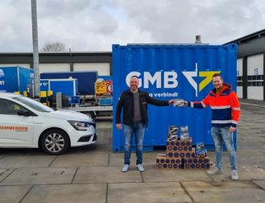 Remmerden en GMB schenken Lego aan voedselbank Tiel